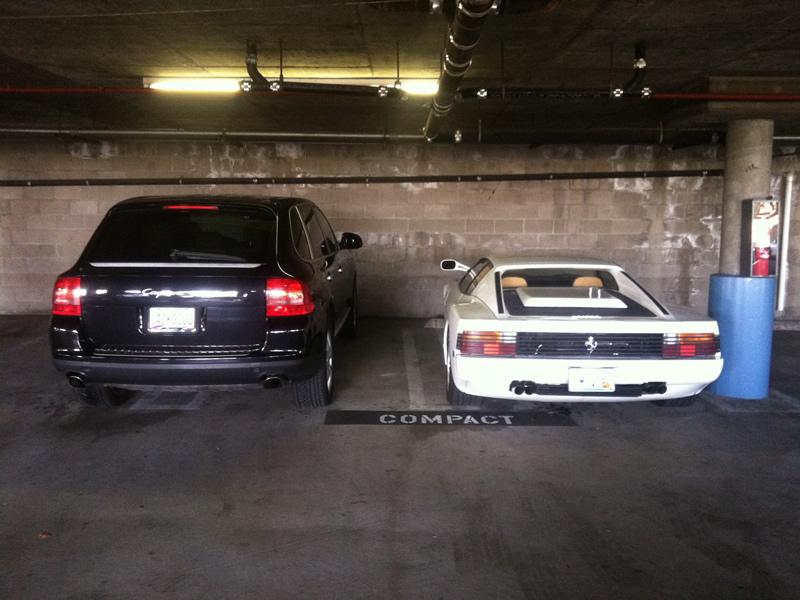 cayenne_ferrari_parked